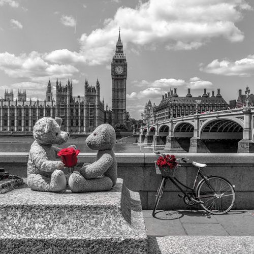 Teddy Bears with red rose agasint Westminster Abby, London, UK